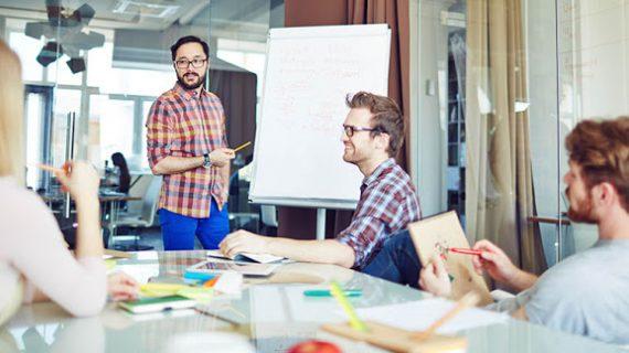 O que é Educação Continuada e como pode ser adquirida para melhorar a própria carreira?